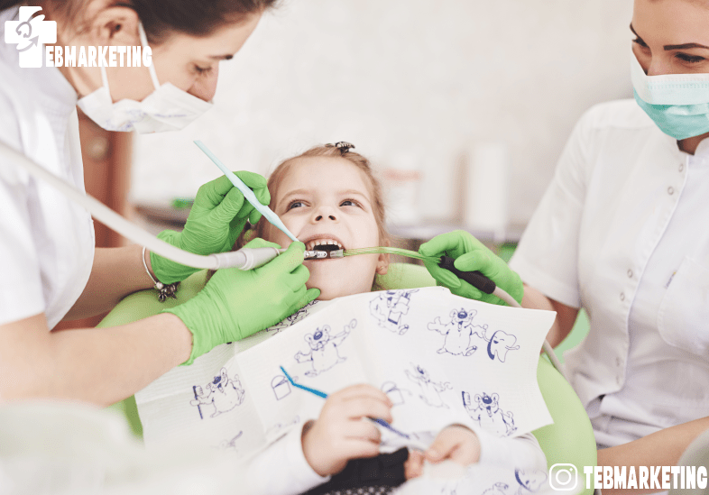 متخصص دندانپزشکی کودکان کیست؟